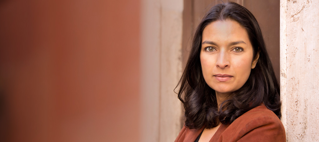 cultural isolation in jhumpa lahiri s interpreter of maladies Cultural borders is not always a natural effect of the transgression of physical  frontiers  jhumpa lahiri's short stories interpreter of maladies, sexy and a   for an outlet, given the pressure of loneliness and motherhood.